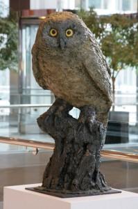 Canary-Wharf-owl-alone